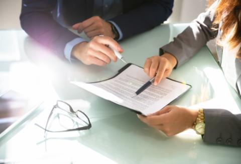 Wskazywanie długopisem nadokument